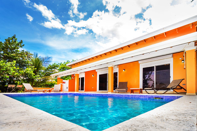 Spectacular Beachfront Home with Pool Maya Beach, Belize